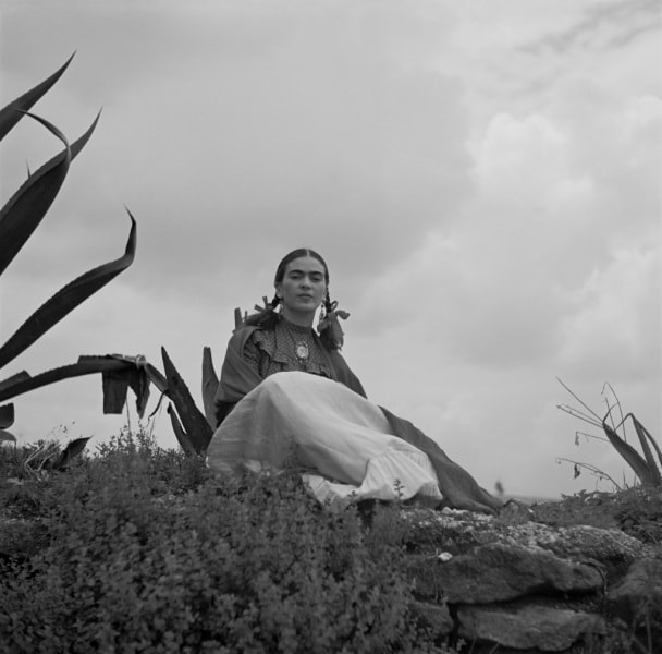 toni_frissell_-_frida_kahlo_seated_next_to_an_agave_web