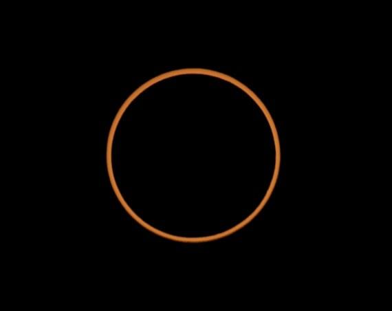 Eclissi totale di Sole: prima o poi la Luna sarà troppo lontana da noi, e non ne vedremo più