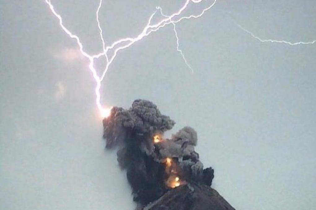 Esplode un altro vulcano, il Volcan de Fuego, in Guatemala