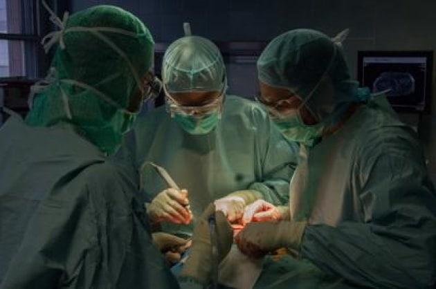 Rarissimo intervento a Torino: trapiantato un omero al posto del femore