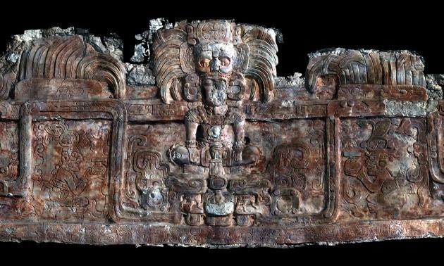 I tesori di due tombe Maya ancora intatte