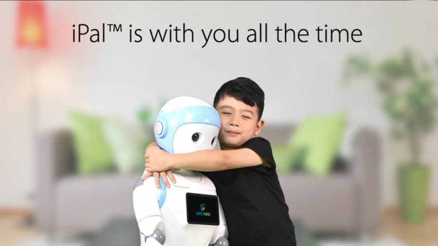 robot-companion-kids-hug-ipal-avatarmind-learning-technology-image-1024x576
