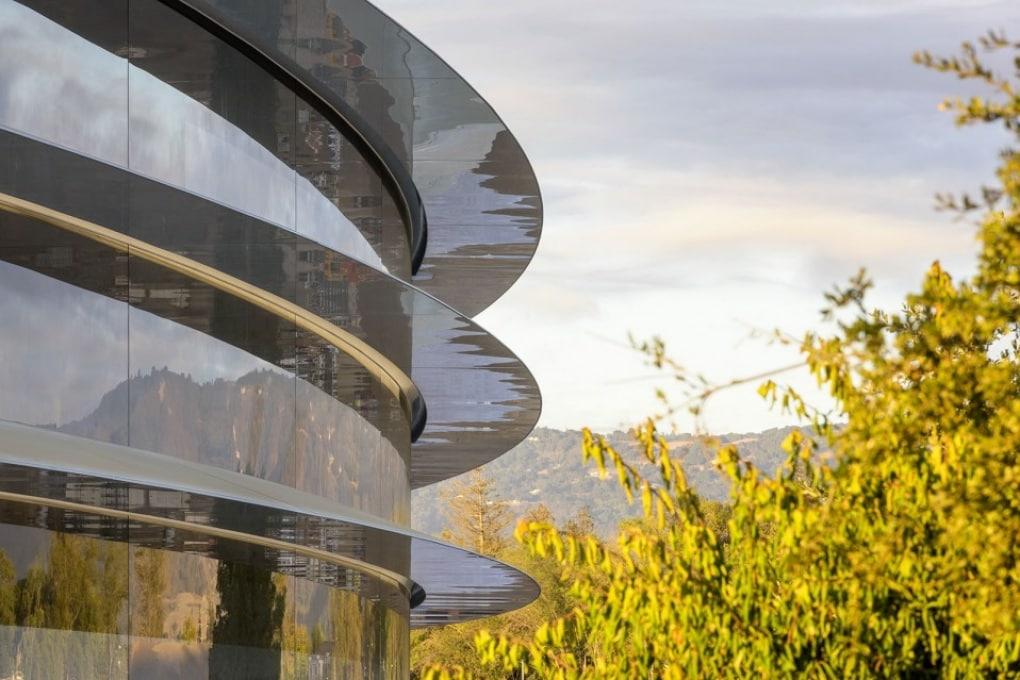 Apple Park: le zuccate dei dipendenti contro le (futuristiche?) vetrate