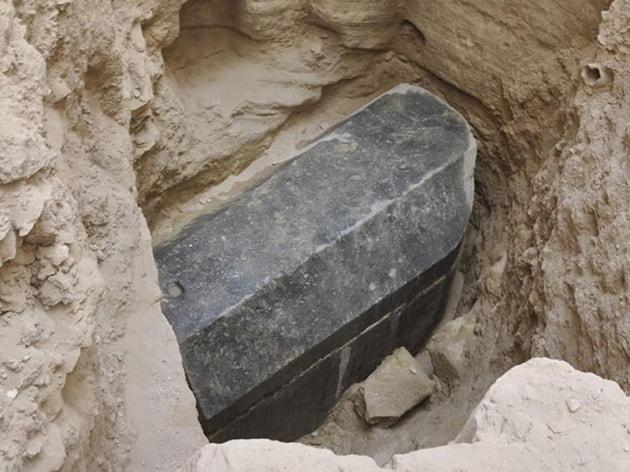 Nuovo mistero dell'antico Egitto: rinvenuto un enorme sarcofago sigillato