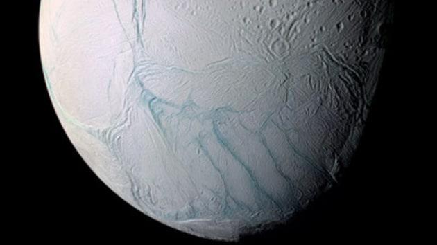 Molecole organiche nei geyser di Encelado