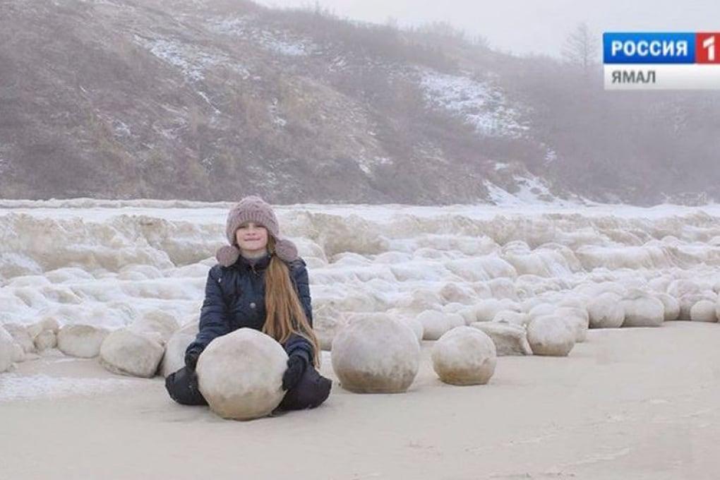 Che cosa sono le grandi palle di ghiaccio ritrovate in Siberia?