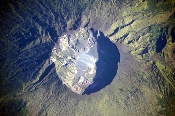 la caldera del supervulcano Tambora