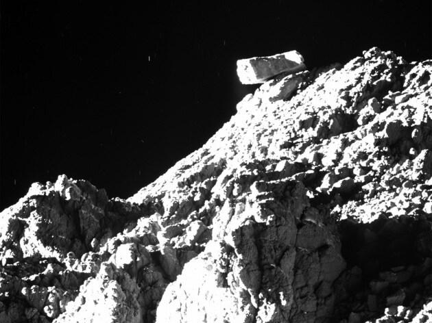 Tutte le foto della sonda Rosetta nel suo lungo viaggio fino alla cometa 67P/Churyumov-Gerasimenko