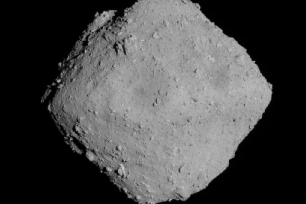 L'asteroide Ryugu in 3D