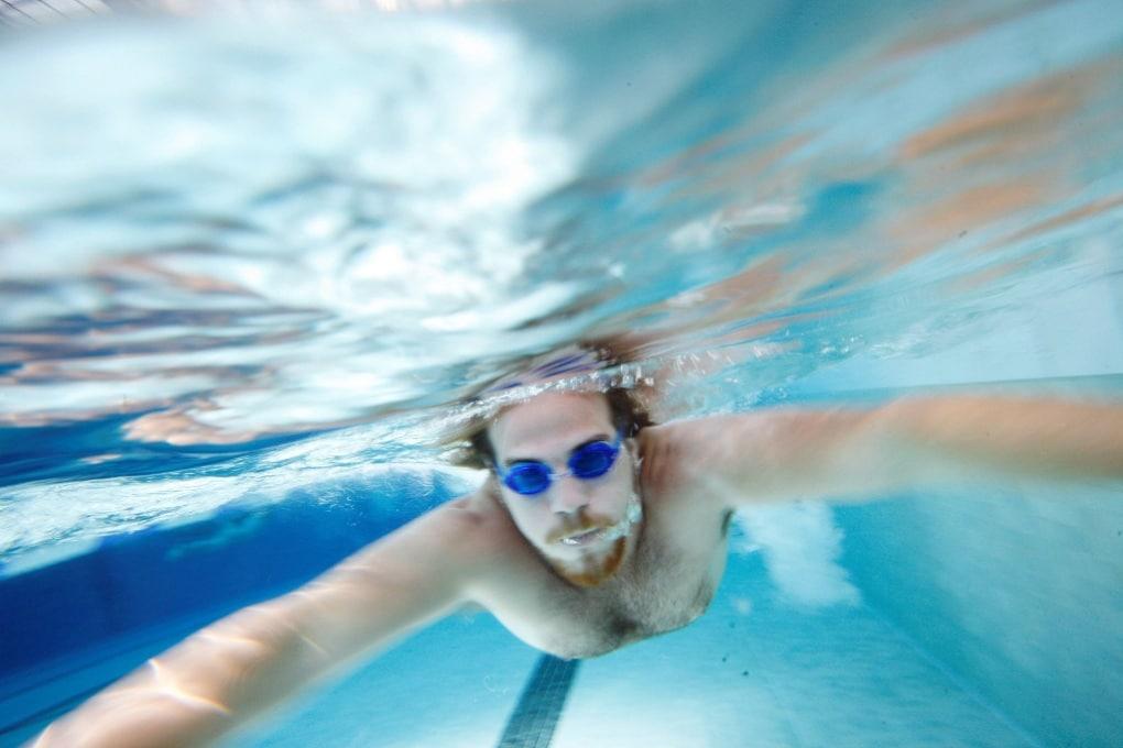 Quanta pipì c'è nelle piscine? Un test lo rivela