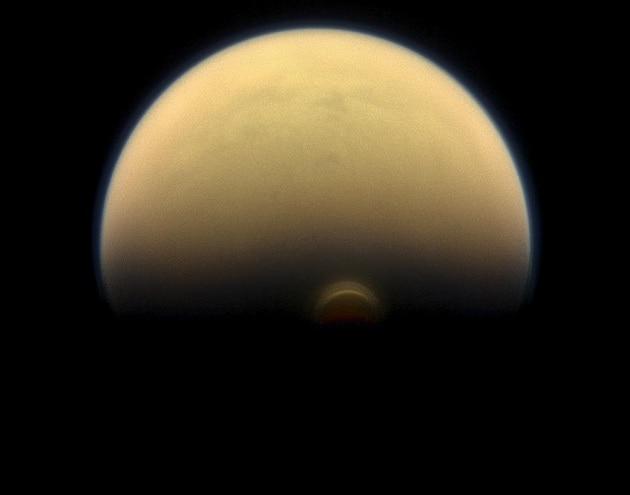 Scoperti nell'atmosfera di Titano i processi che portarono alla vita sulla Terra