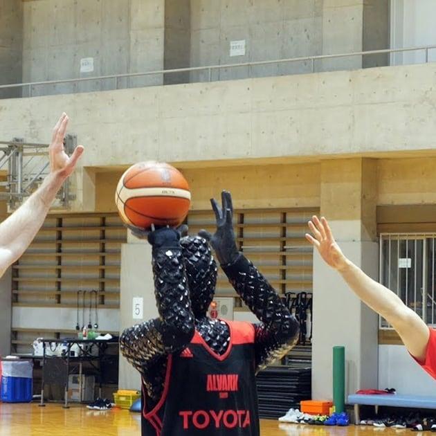 Pallacanestro: un robot da NBA, ma solo per i tiri dalla lunetta