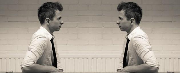 narcissist-talking-to-self-shutterstock_1024
