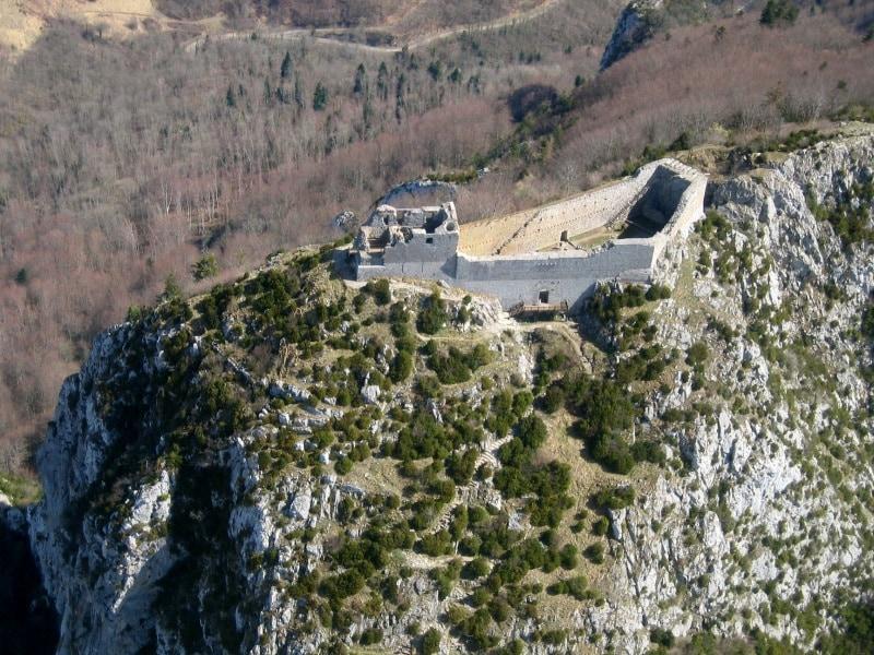 chateau_de_montsegur_-_vue_aerienne