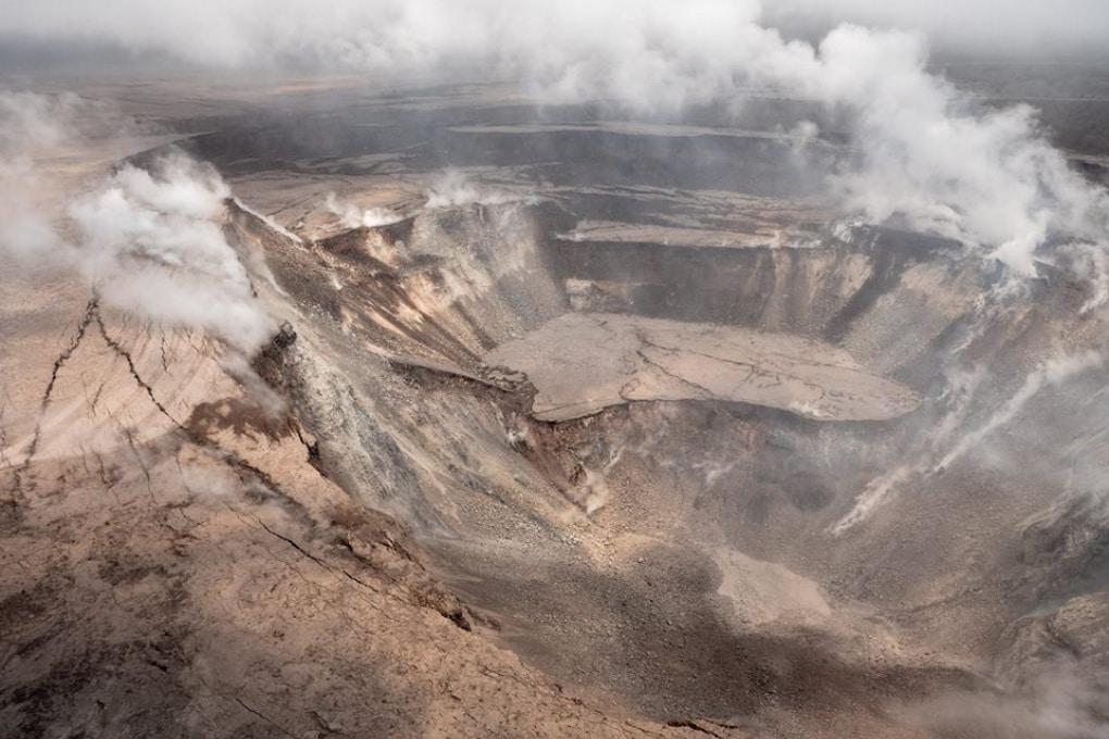 Kilauea: il collasso del cratere visto da un drone