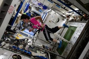 gemelli kelly, astronauti, missioni spaziali di lunga durata, corpo umano