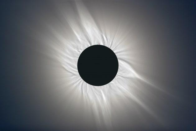Le sorprese senza fine della corona solare