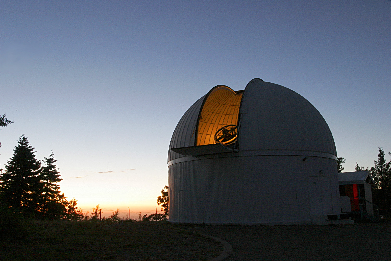 Spazio, stasera il maxi asteroide sfiora la Terra. Come osservarlo