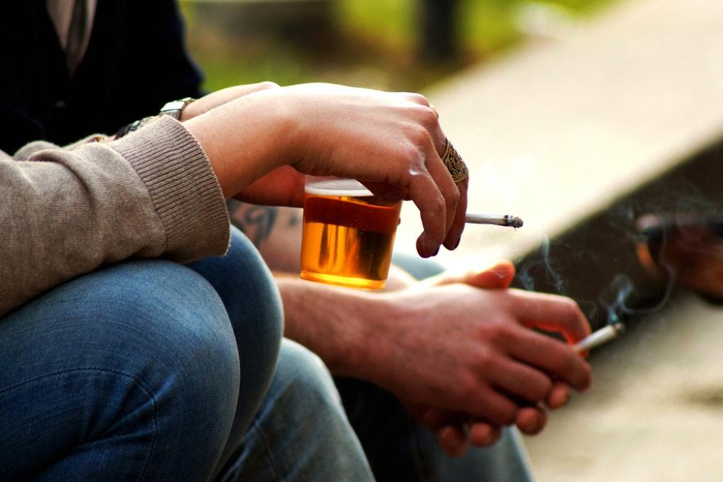 Fumo e alcol danneggiano le arterie già in adolescenza