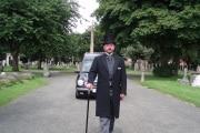 funeral-director-1823425_1920
