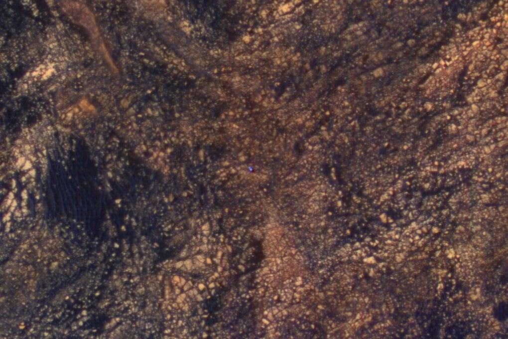 Il rover della Nasa Curiosity fotografato dal Mars Reconnaissance Orbiter