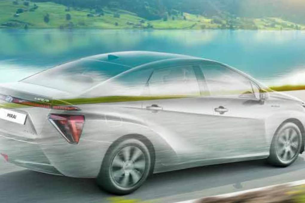 Toyota Mirai: l'auto a idrogeno per tutti