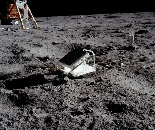 apollo_11_lunar_laser_ranging_experiment