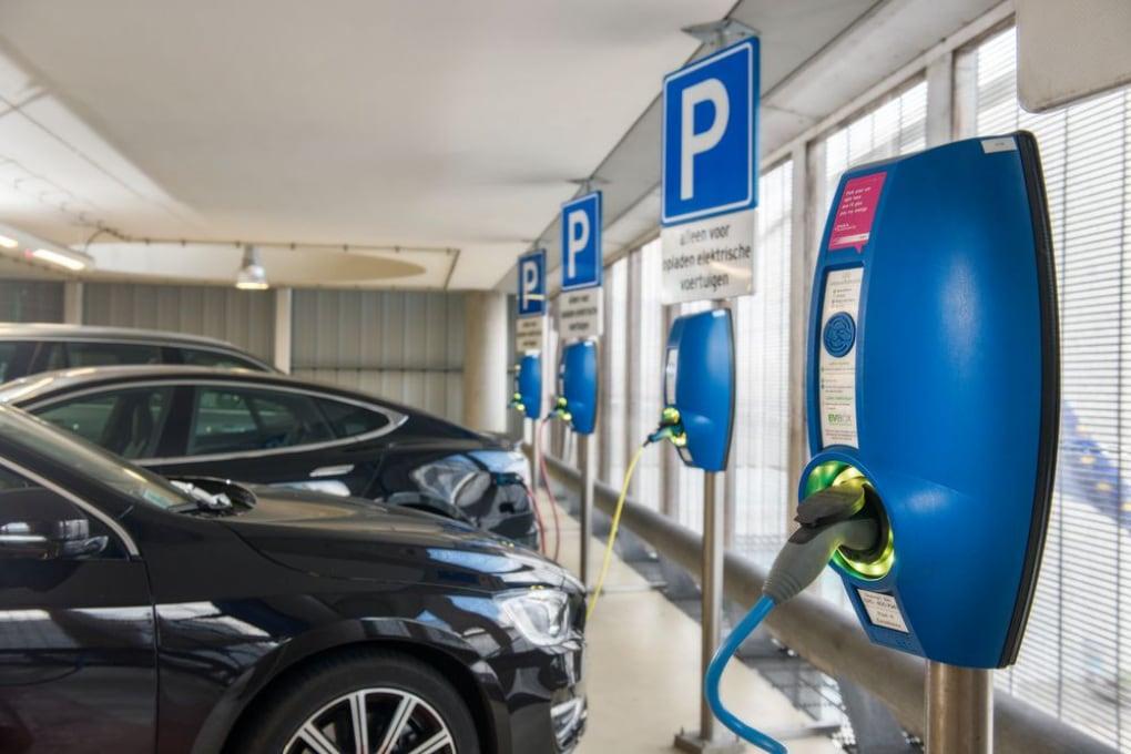 Auto elettriche come rifugi di emergenza in caso di calamità