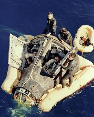 Neil Armstrong, NASA, Gemini 8, Soccorso