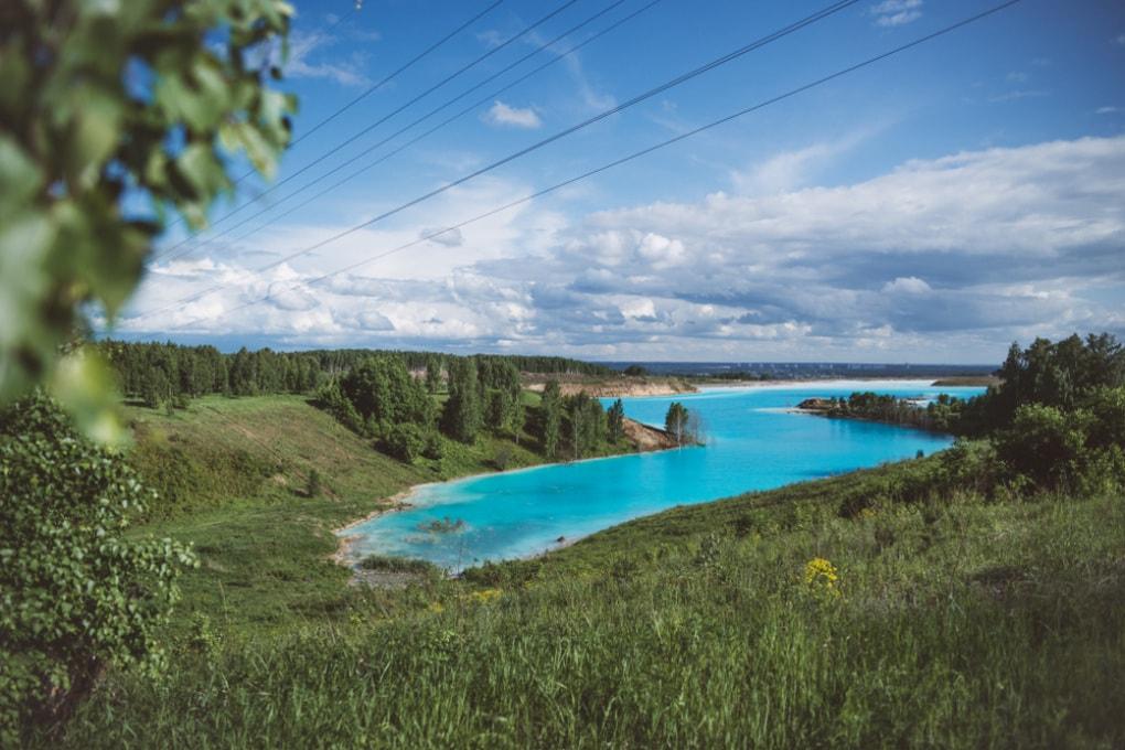 Il lago siberiano che spopola su Instagram è una discarica industriale