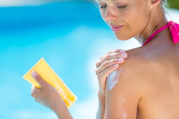 Alcune sostanze chimiche contenute nelle creme solari filtrano nel sangue