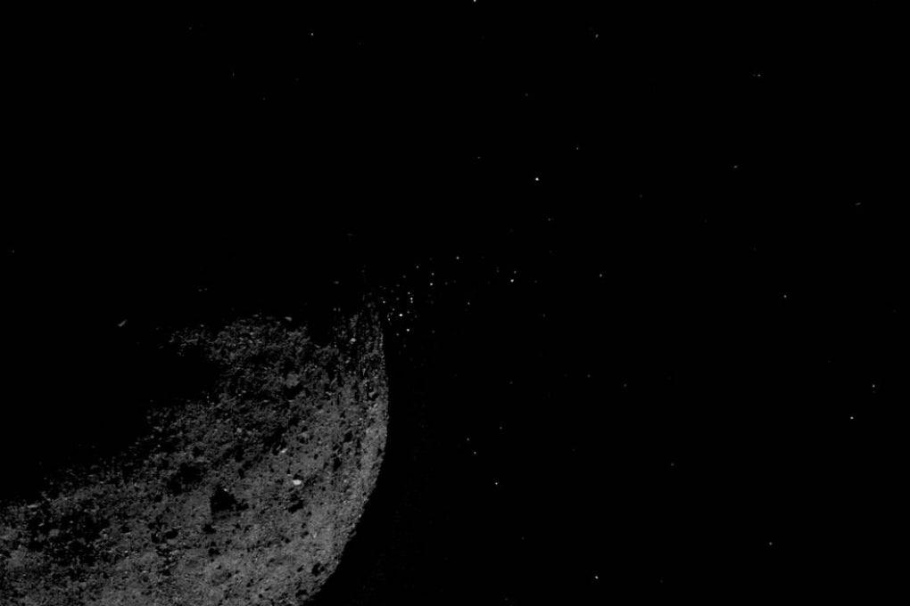 OSIRIS REx: Bennu emette pennacchi di polveri