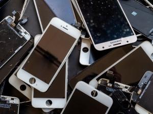 smartphone, metalli rari, rifiuti elettronici, e-waste, attività minerarie, colonizzazione