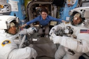 anne-mcclain-christina-koch-astronaut-spacewalk-iss-nasa-women