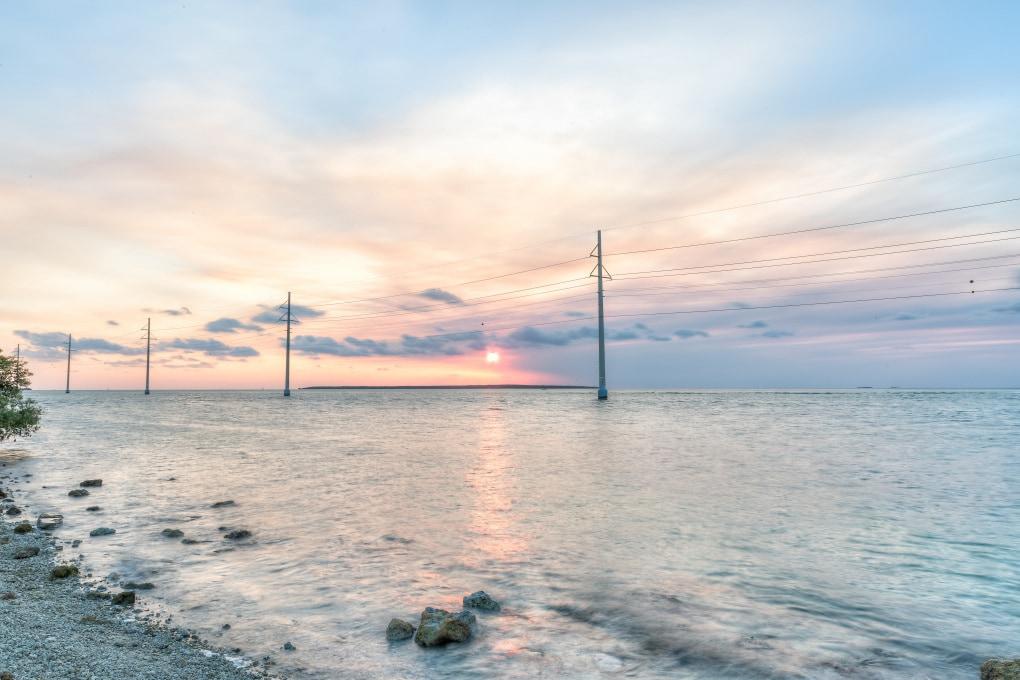 Inquinamento salino sulle linee elettriche: come combatterlo?