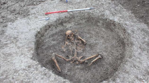 Macabre sepolture di 3000 anni fa: le vittime di un sacrificio umano?