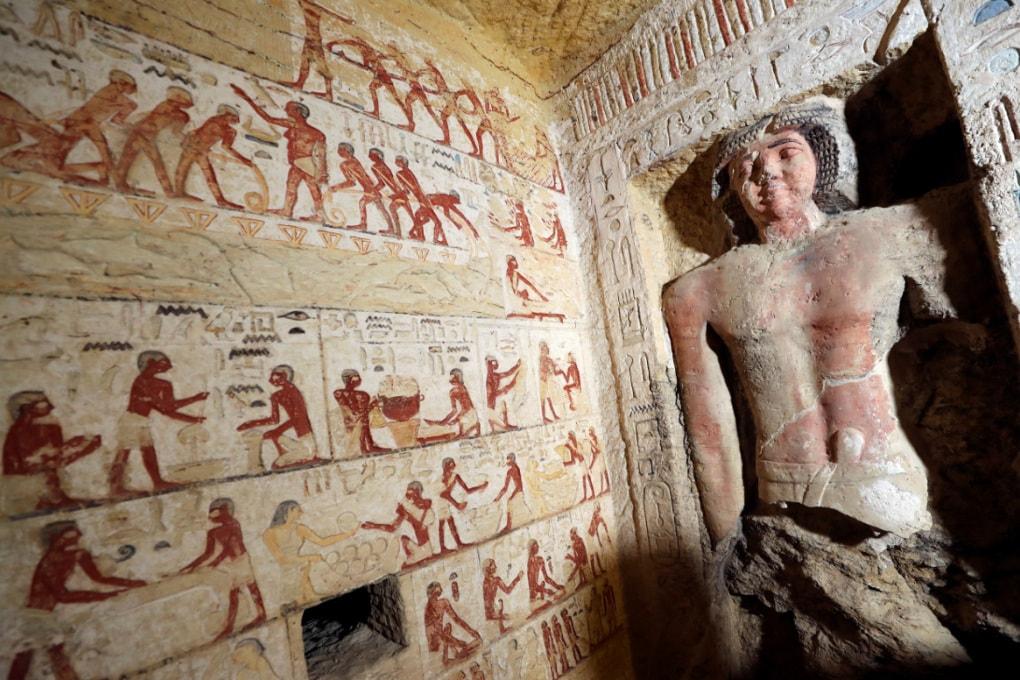 Egitto, la tomba intatta di un sacerdote di 4.400 anni fa
