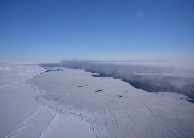 Come si formano i buchi giganti nel ghiaccio in Antartide