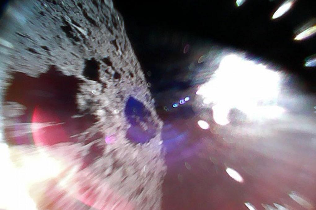 I rover della Hayabusa-2 sono su Ryugu