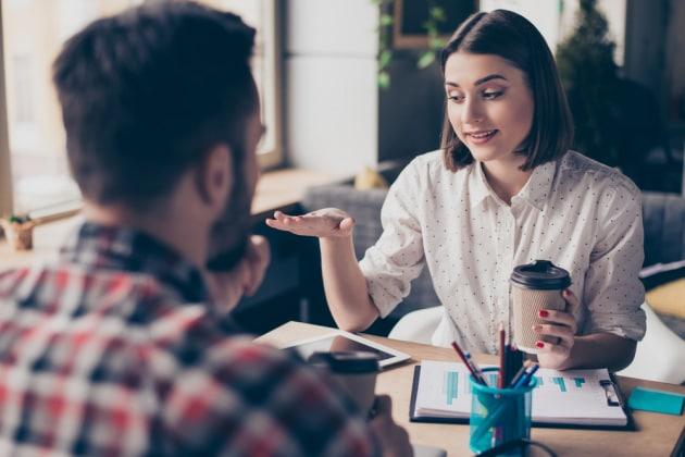 Perché è difficile parlare con qualcuno guardandolo negli occhi?