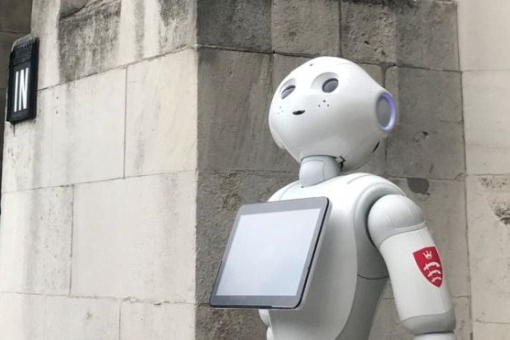 Un robot-professore va a parlare al parlamento inglese