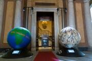 La presentazione di 100 Globi per un Futuro Sostenibile in foto