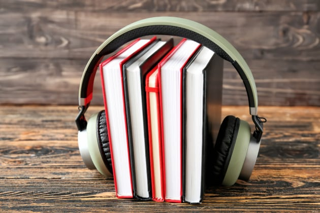 Libri tradizionali e audiolibri: secondo la scienza sono (quasi) equivalenti