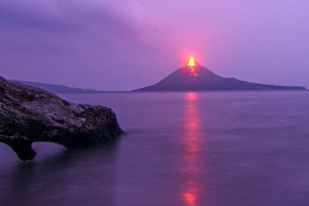 Perché uno tsunami in Indonesia senza terremoto?