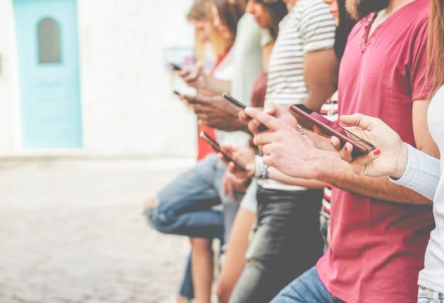Adolescenti: troppo social fa venire problemi di ansia