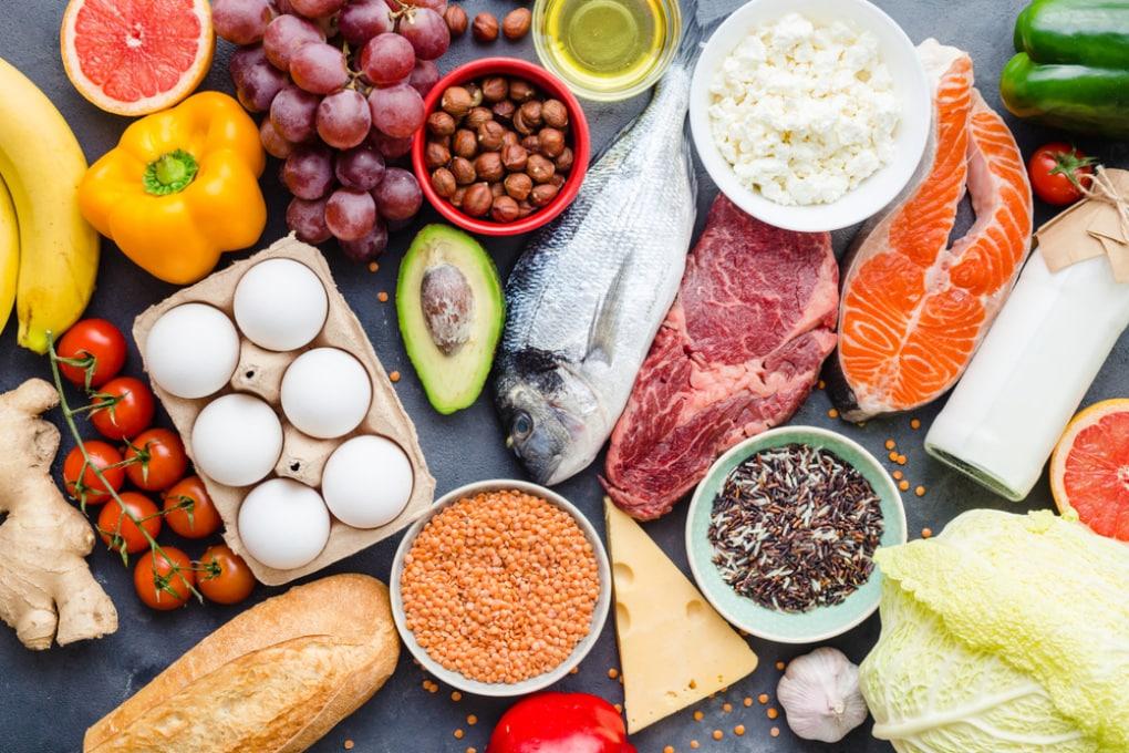 Vegetariani, pescetariani, carnivori: chi corre più rischi per la salute?