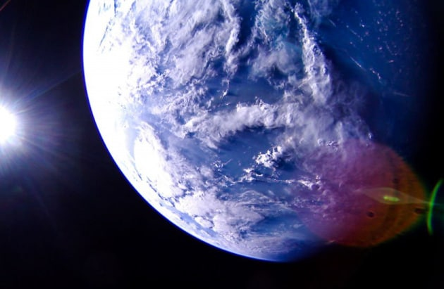 Blue Marble 2019: LightSail 2 fotografa la Terra
