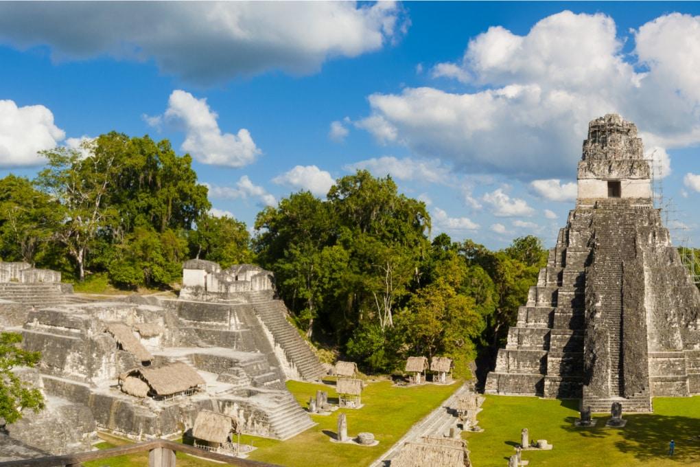 Inghiottite dalla foresta: strutture sorprendenti negli insediamenti Maya