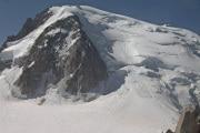 Allarme ghiacciai: sempre più neri, sempre più fragili