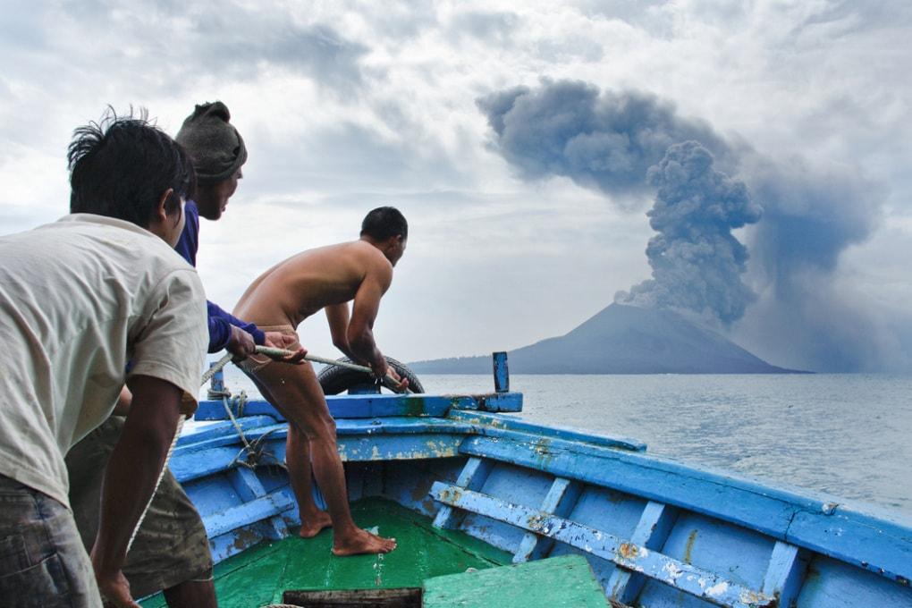 Il vulcano che ha causato lo tsunami in Indonesia ha perso due terzi della sua altezza
